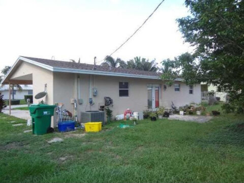 361 W 22nd Ct West Palm Beach, FL 33404