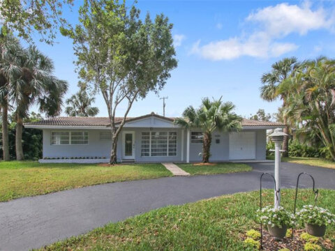 4301 NE 22nd Ave Lighthouse Point, FL 33064