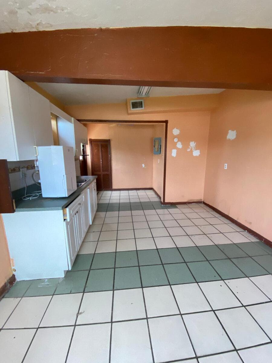 5401 SW 20th St West Park, FL 33023