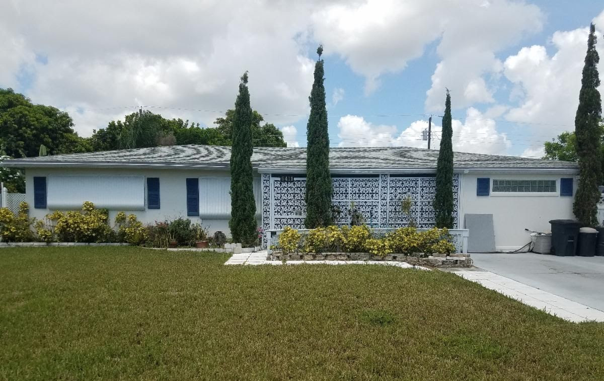 6411 Lake Clarke Dr West Palm Beach, FL 33406 USA