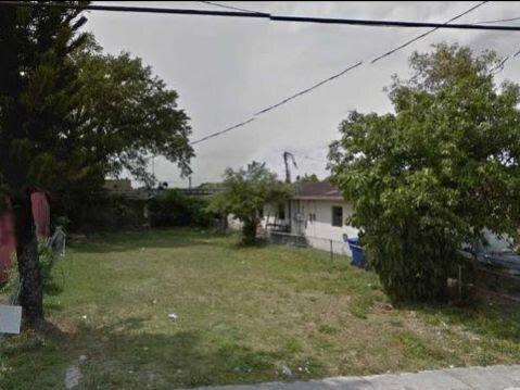 6820 NW 6th Ct Miami, FL 33150, USA