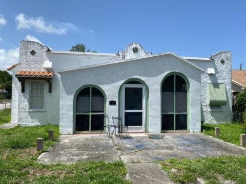 735 Hunter St West Palm Beach, FL 33405, USA