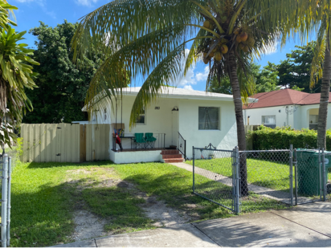 1763 NW 68th St Miami, FL 33147, USA