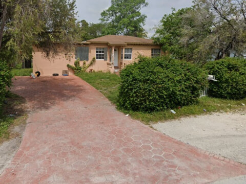 321 NW 148th St Miami, FL 33168