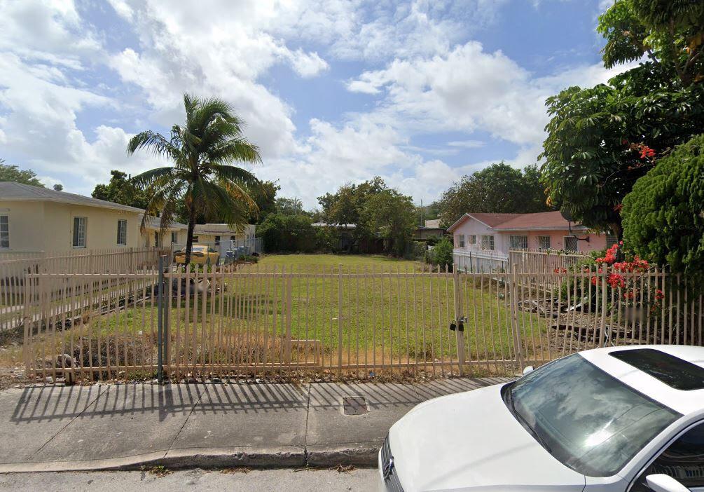 400 NW 33rd St Miami, FL 33127 USA
