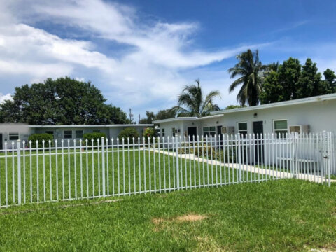 1725 NE 148th St Miami, FL 33181, USA