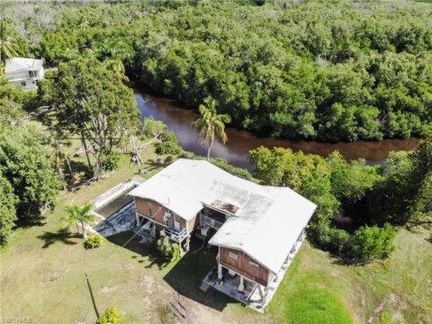 3 Plantation Pkwy Everglades City, FL 34139, USA