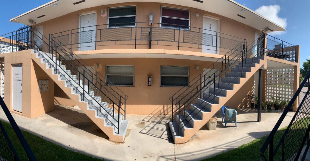 73 NW 17th Ct Miami, FL 33125, USA
