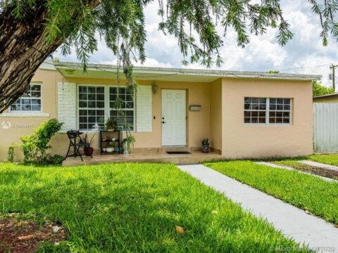 7836 SW 35th Terrace Miami, FL 33155 USA
