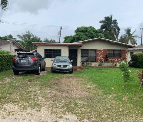 1411 NE 117th St, Miami FL 33161