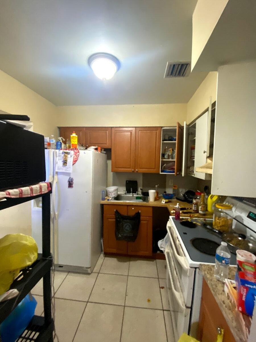1858 NW 47th Terrace Miami, FL 33142, USA