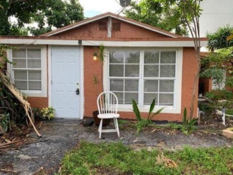 228 SE 3rd Ave Delray Beach, FL 33483, USA