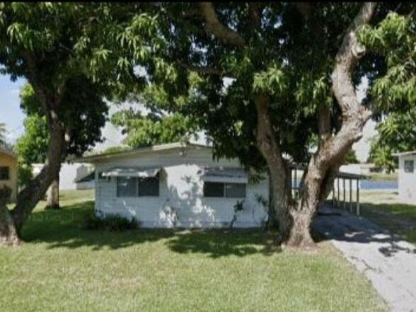 2725 NW 24th Ave Oakland Park, FL 33311
