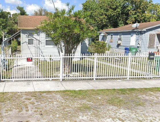 2759 NW 59th St Miami, FL 33142