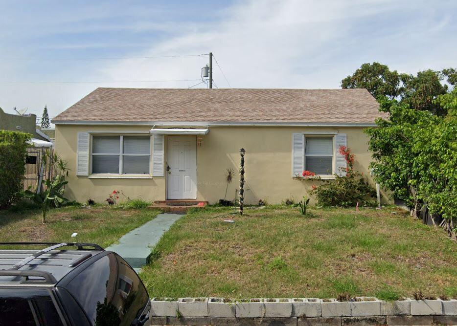 417 Summa St West Palm Beach, FL 33405