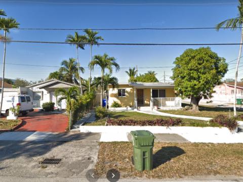 5615 SW 1st St Coral Gables, FL 33134, USA