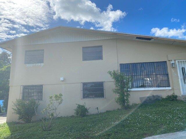 18540 NW 38th Ct Miami Gardens, FL 33055