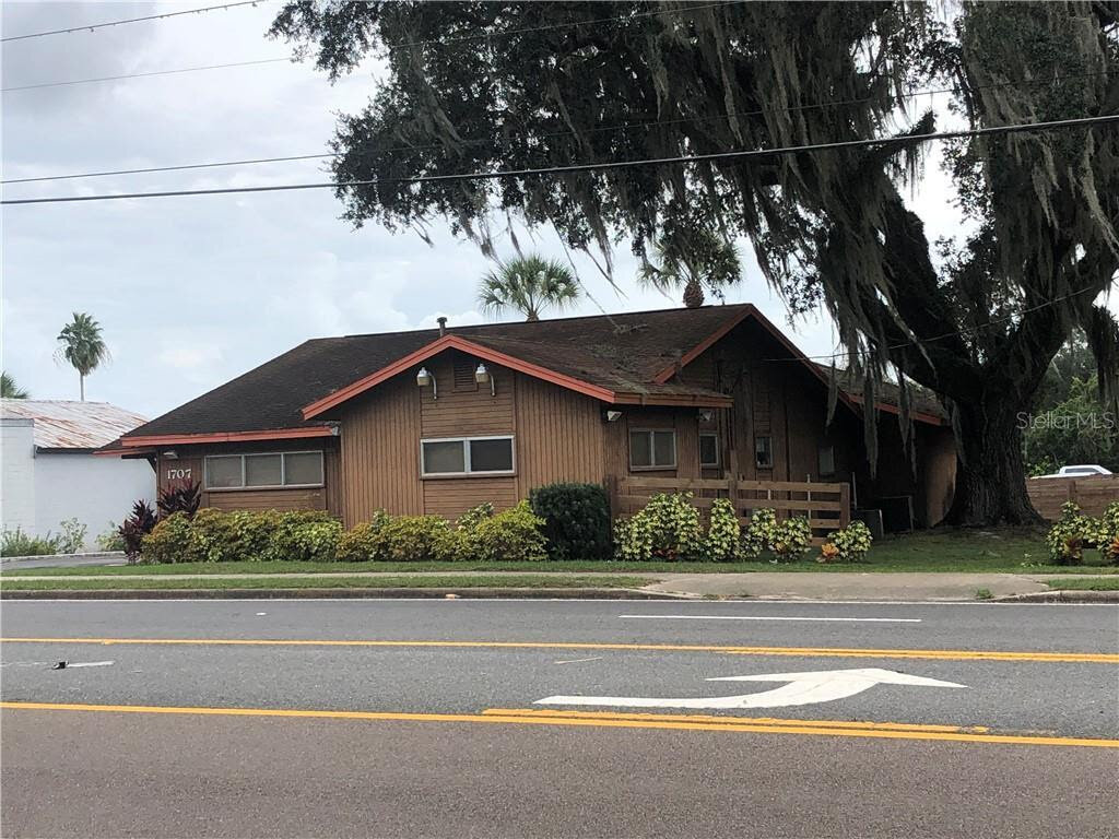1707 South St Leesburg, FL 34748, USA