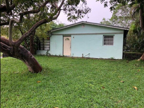 4311 SW 31st Dr West Park, FL 33023, USA