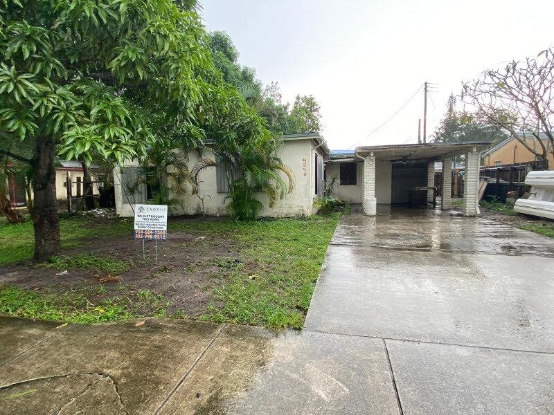 4540 SW 33rd Dr West Park, FL 33023, USA