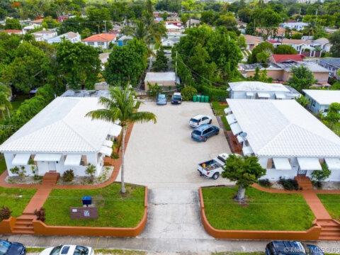 1245 NE 110th St, Miami, FL 33161
