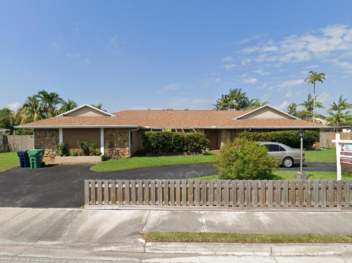 13660 SW 92nd Ave Miami, FL 33176, USA