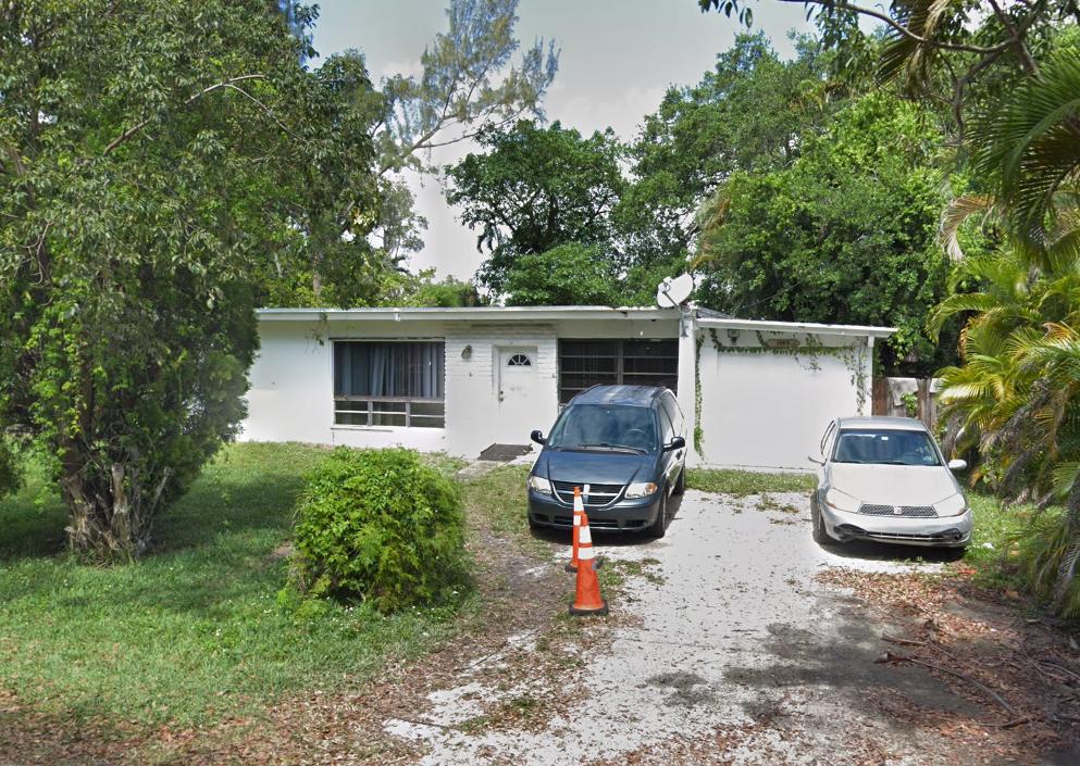 1563 NE 144th St North Miami, FL 33161, USA