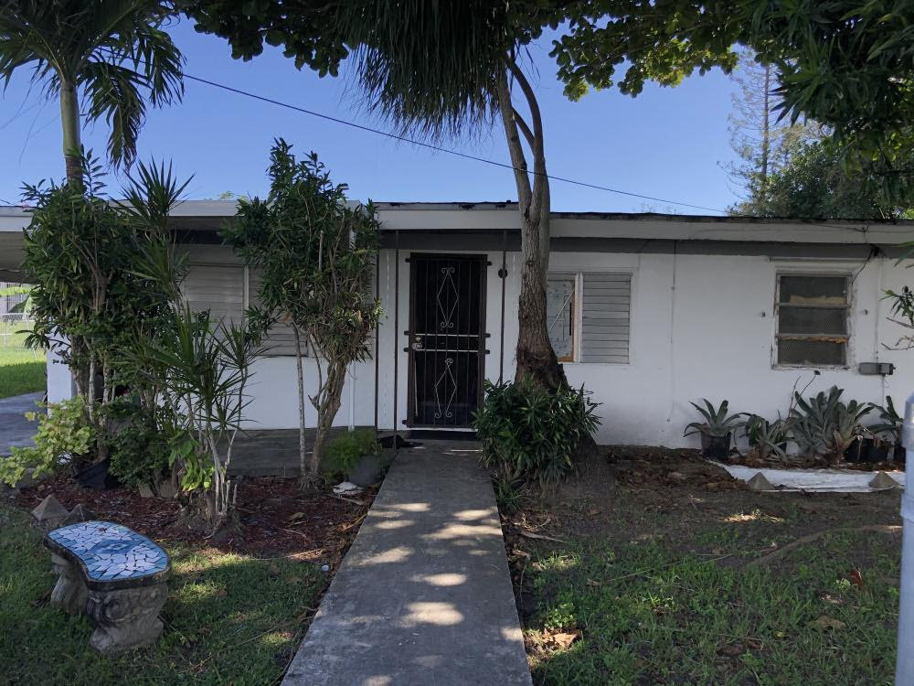 22055 SW 124th Ave Goulds, FL 33170, USA