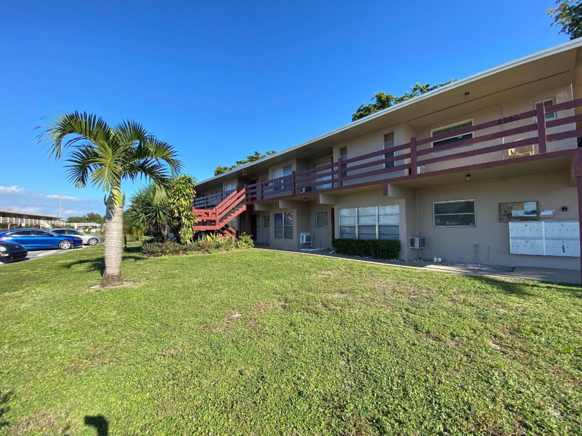 2980 NW 43 Terrace Lauderdale Lakes, FL 33313, USA