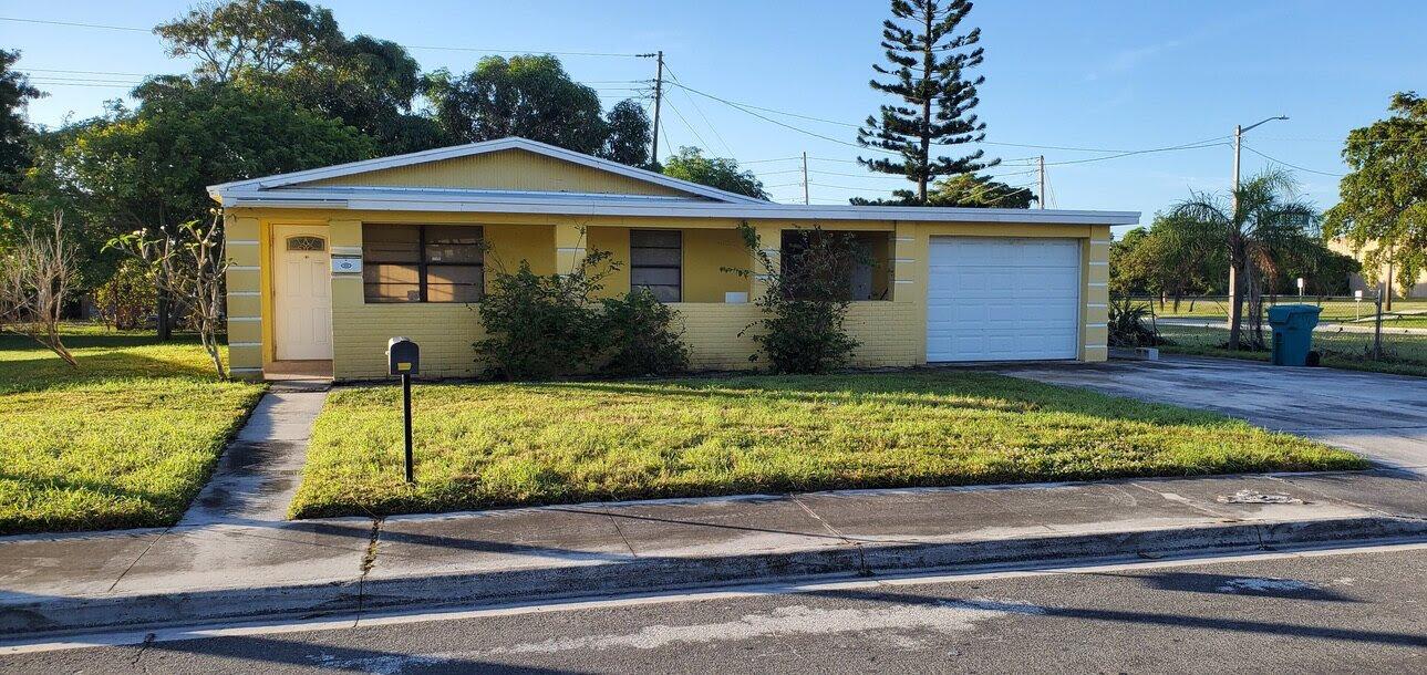 554 NW 11th Ave Boynton Beach, FL 33435, USA
