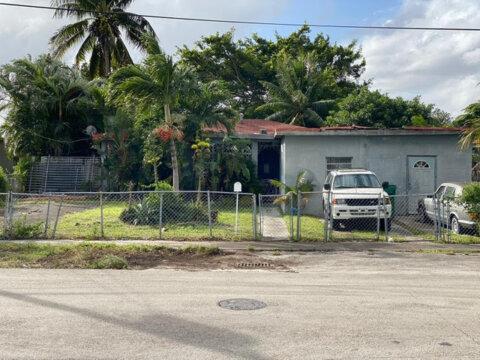 8430 NW 10th Ave Miami, FL 33150