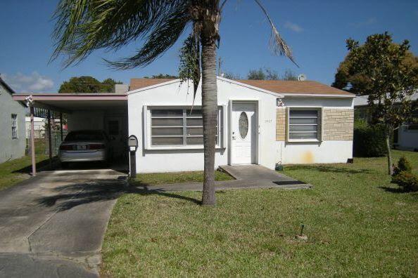 2527 Thomas St Hollywood, FL 33020, USA