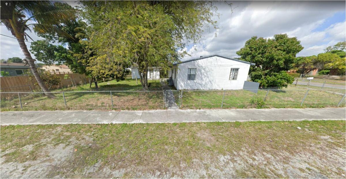 2900 NW 157th Terrace Opa-locka, FL 33054, USA