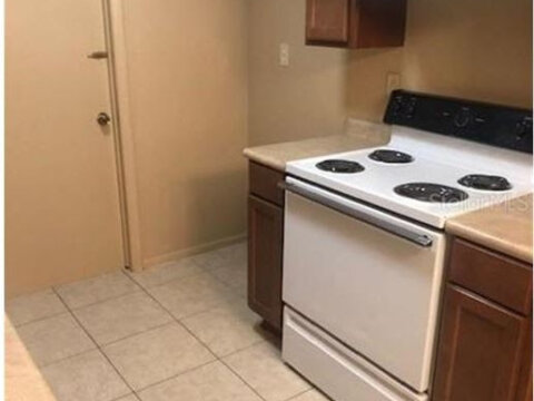 5695 Deerfield Rd Orlando, FL 32808, USA