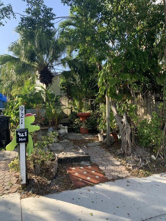 921 Sumter Rd W West Palm Beach, FL 33415, USA