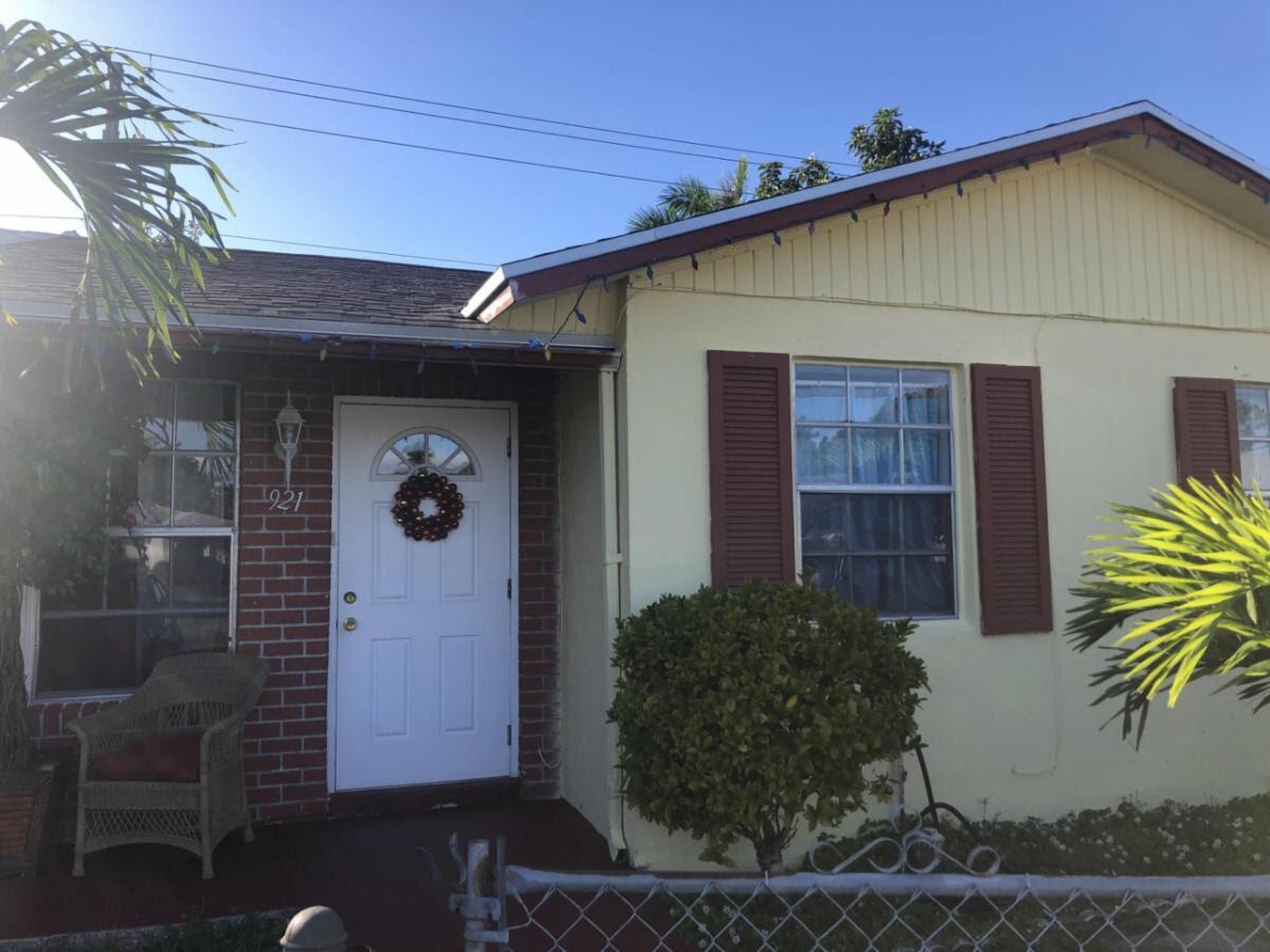 921 Sumter Rd W West Palm Beach, FL 33415