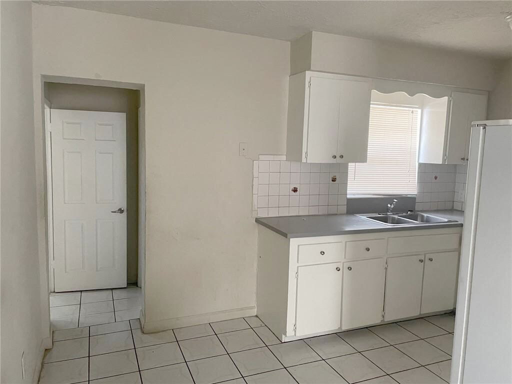 1001 NW 11th Pl Fort Lauderdale, FL 33311, USA