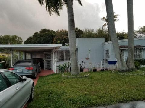 1580 NE 139th St North Miami, FL 33161, USA