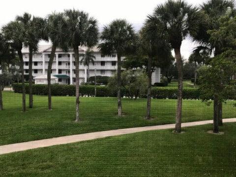 3500 Whitehall Dr West Palm Beach, FL 33401, USA