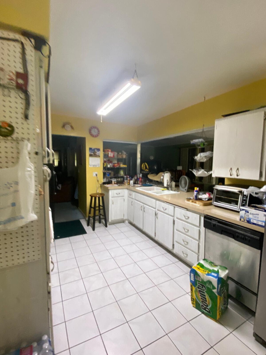 3550 NW 41st St Lauderdale Lakes, FL 33309, USA