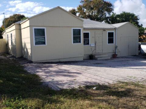 800 High St West Palm Beach, FL 33405