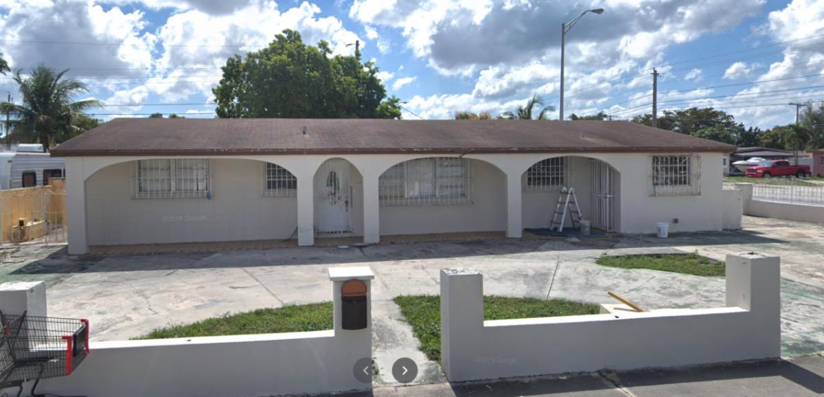 1190 W 56th St Hialeah, FL 33012, USA