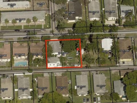 214 SE Park St Dania Beach, FL 33004, USA