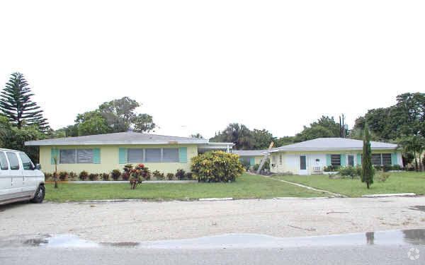 23-27 NE 19th Ave Pompano Beach, FL 33060, USA