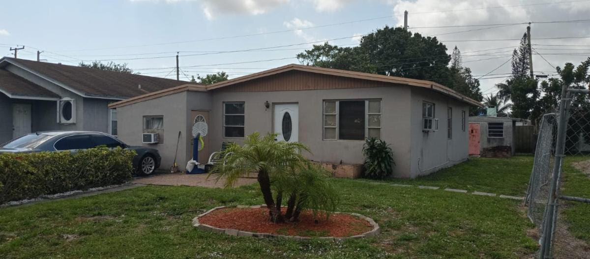 2314 NW 3rd St Pompano Beach, FL 33069, USA