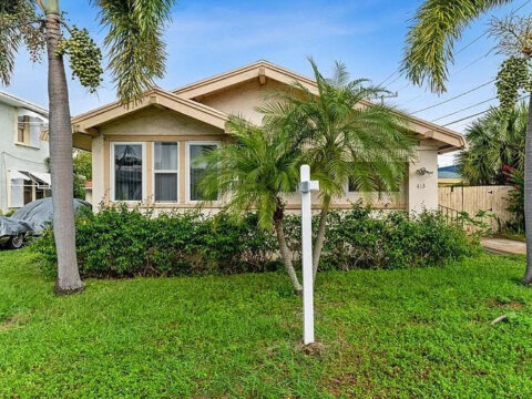 413 Upland Rd West Palm Beach, FL 33401, USA