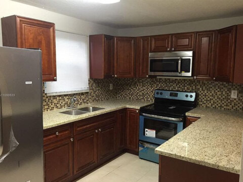 4896 SW 28th Terrace Fort Lauderdale, FL 33312, USA