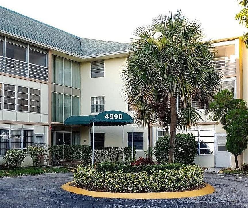 4990 E Sabal Palm Blvd Tamarac, FL 33319, USA