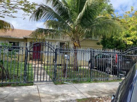 8258 NE 2nd Ct Miami, FL 33138, USA