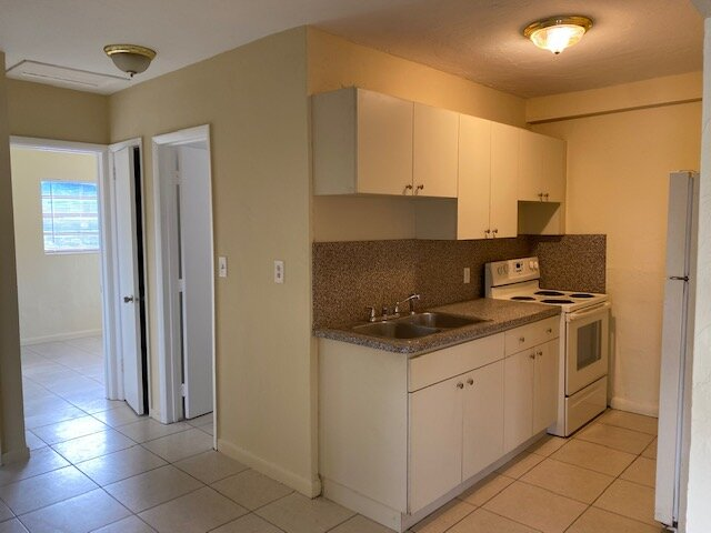 946 NW 13th Ct Fort Lauderdale, FL 33311